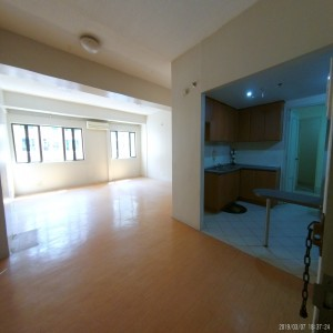 One Orchard Road 2 Unfurnished 3-Bedroom Condo