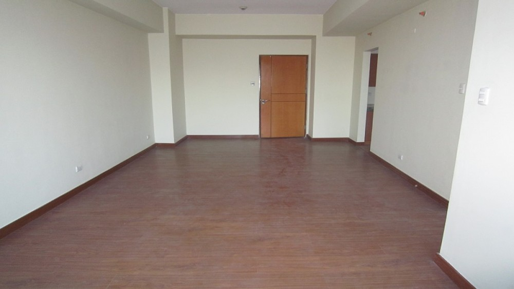 Eastwood Parkview 2 Unfurnished 2-Bedroom Condo